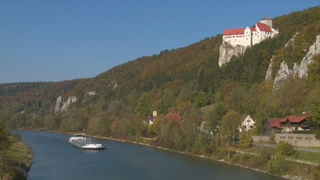 prunn castle above altmuehl river in bavaria - herbst stock videos & royalty-free footage