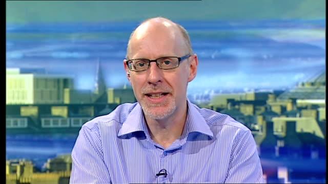 stockvideo's en b-roll-footage met psychologist claims noises can influence our dreams england london gir int professor richard wiseman studio interview from hertfordshire sot - geestelijke gezondheidszorg