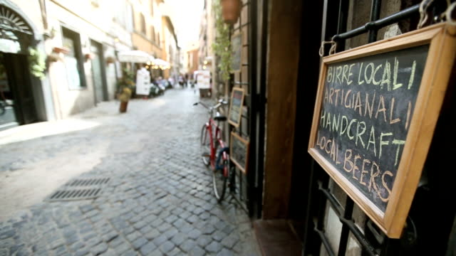 Pub Menu on the Street in Rome: handcraft beers
