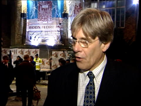 vídeos y material grabado en eventos de stock de public autopsy controversy itn dr michael wilks interviewed sot doubt whether the person we are going to see dissected later on visualised the kind... - autopsia
