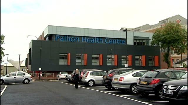 stockvideo's en b-roll-footage met public bodies fall victim to mandate fraud tyne and wear sunderland ext 'pallion health centre' sign general view of pallion health centre interior... - tyne and wear