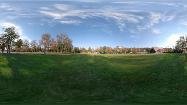 360 VR / Public park with St. Martin church and Trausnitz castle