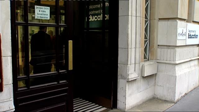 vídeos de stock, filmes e b-roll de union members arrive for talks at department of education england london department of educcation ext various unidentified arrivals at department of... - doe