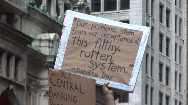 """public speaking at zuccotti park liberty square; use of """"live mic""""; protesters repeat what is spoken to overcome lack of audio amplification system... - occupy protests stock videos & royalty-free footage"""