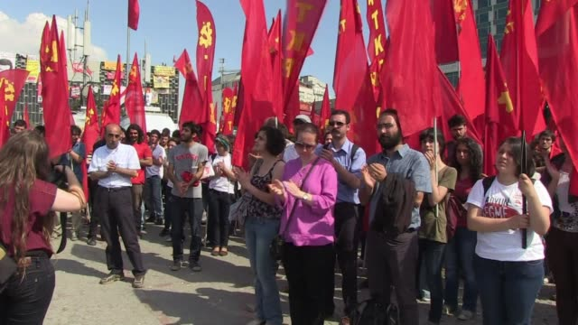 public workers in turkey launched a two day strike tuesday in support of raging anti government protests as the united states appealed for restraint... - trattenere video stock e b–roll