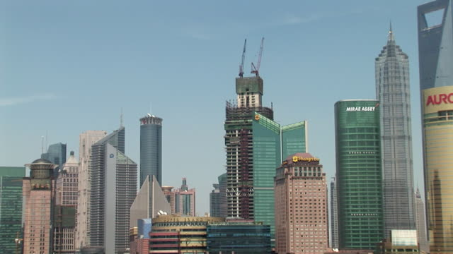 ws zo pudong skyline and huangpu river / shanghai, china - river huangpu stock videos & royalty-free footage