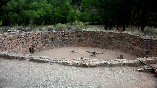 pueblo dwelling - cliff dwelling stock videos & royalty-free footage