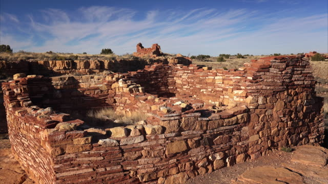 pueblo indian ruins at wupatki national monument - puebloan peoples stock videos & royalty-free footage
