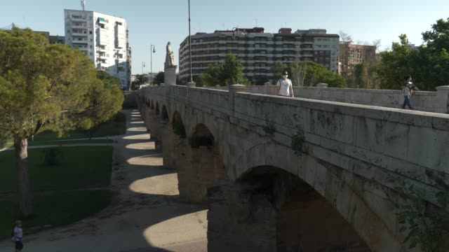 puente san josé in a sunny day, valencia, spain. - puente video stock e b–roll