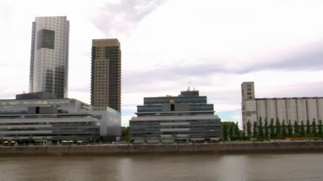 ws pan puerto madero with puente de la mujer, buenos aires, argentina - puente de la mujer stock videos & royalty-free footage