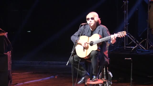 puerto rican singer composer and guitar virtuoso jose feliciano speaks at an interview during the 2nd annual mersin international accessible art... - visual impairment bildbanksvideor och videomaterial från bakom kulisserna