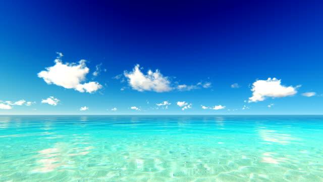 vidéos et rushes de déplacement des nuages au-dessus de l'océan tropical - horizon over water