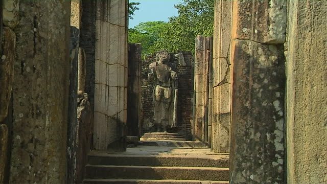 pull back shot vatadage polonnaruwa north central province sri lanka - sri lankan culture stock videos & royalty-free footage