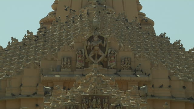 pull back somnath temple exterior veraval gujarat - god stock videos & royalty-free footage