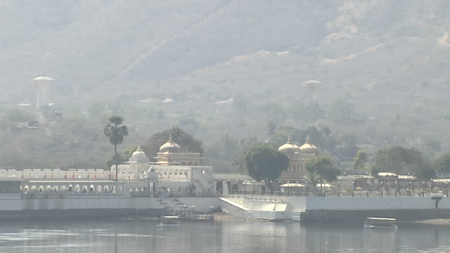Pull back Udaipur Lake Palace Rajasthan India