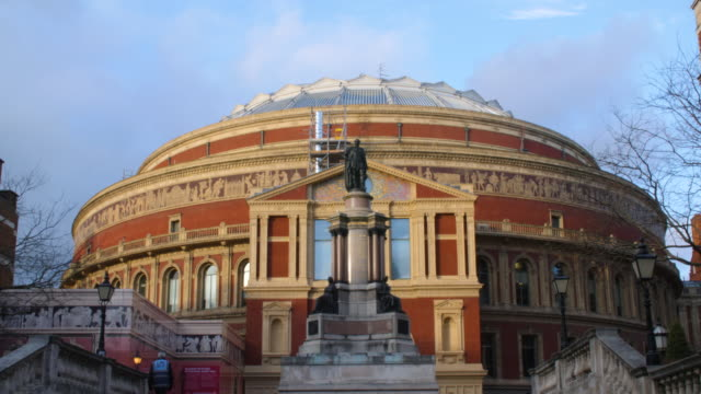 pull focus on the exterior of the royal albert hall in london's south kensington. - royal albert hall stock videos and b-roll footage
