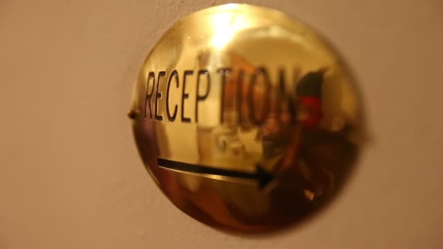 vídeos y material grabado en eventos de stock de pull focus shot on reception sign. pull focus shot on reception sign. on april 05, 2013 in cortina d'ampezzo, italy - vacaciones en la nieve