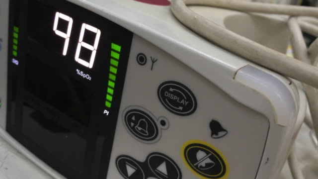 pulse oximeter - pulse oxymeter stock videos and b-roll footage