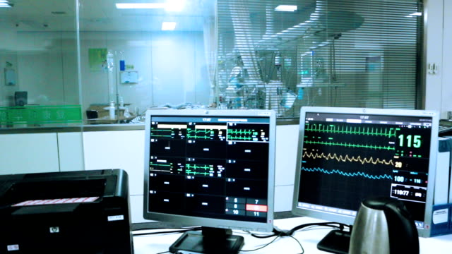 pulse trace display heart pulse in hospital icu room,real time. - operating room stock videos and b-roll footage