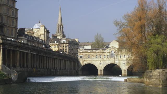 ws pulteney bridge designed by robert adam on river avon, bath, united kingdom - pulteney bridge stock videos & royalty-free footage