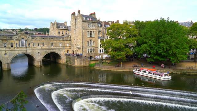 pulteney bridge river avon in bath, england - bath stock videos & royalty-free footage
