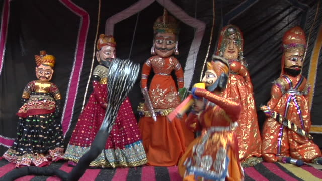 vidéos et rushes de ms puppet show at surajkund fair / faridabad, haryana, india - marionnette