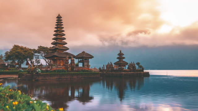 Pura ulun danu bratan hindu temple on bratan lake landscape of famous tourist attraction in indonesia