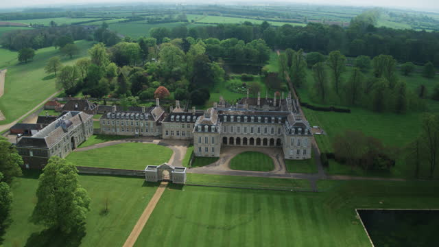 push in shot of boughton house - pasture stock videos & royalty-free footage