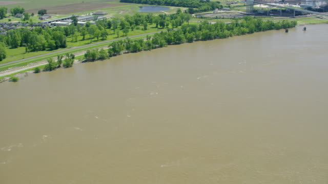 push in shot of the almatis inc factory - river mississippi stock videos & royalty-free footage
