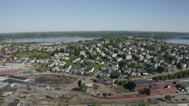 push out shot of the east end of portland with the back cove in the background - north atlantic ocean stock videos & royalty-free footage