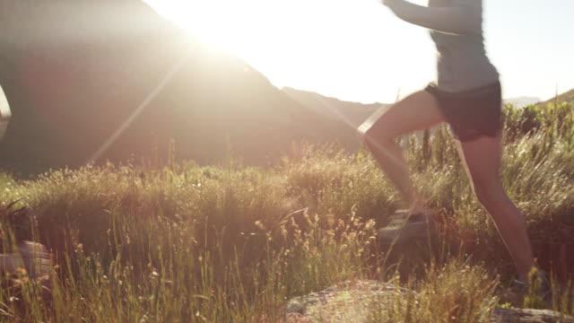 vídeos de stock e filmes b-roll de put your endurance to the test - resistência