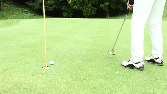 a putt that didn't go in - negative emotion stock videos & royalty-free footage