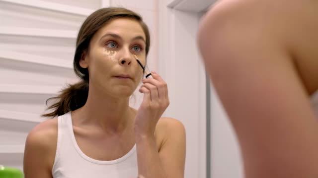 Putting on make up/ Chorzow/ Poland