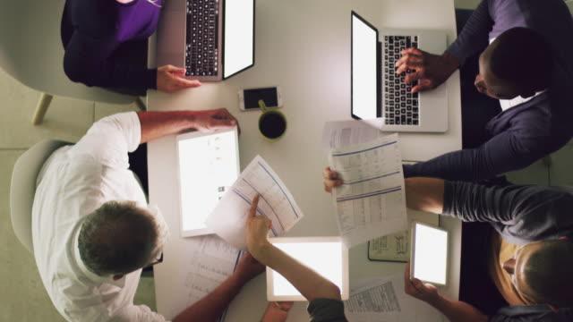 Unir trabajo en equipo y trabajo duro