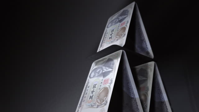 cgi, tu, cu, slo mo, pyramid of japanese yen notes, falling, studio shot  - british pound sterling note stock videos & royalty-free footage