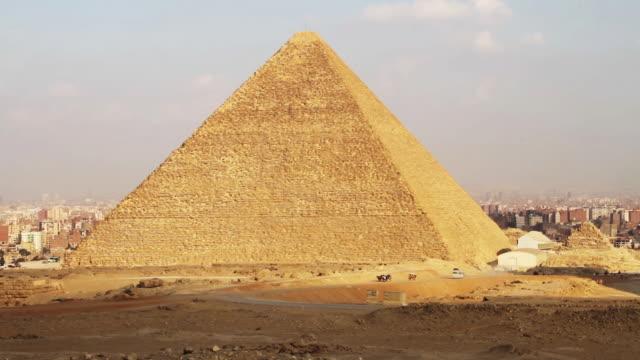 pyramids of giza - pyramid bildbanksvideor och videomaterial från bakom kulisserna