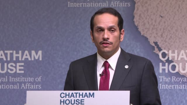 stockvideo's en b-roll-footage met qatar's foreign minister says he welcomes any serious efforts to resolve the gulf diplomatic crisis but that the countries imposing a blockade on... - perzische golf