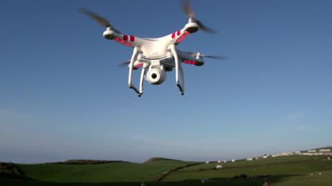 quadcopter with camera - propeller bildbanksvideor och videomaterial från bakom kulisserna