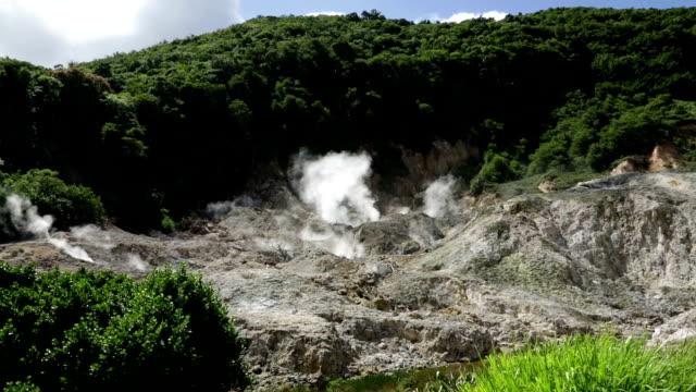 vídeos de stock e filmes b-roll de vulcão qualibou em santa lúcia - island