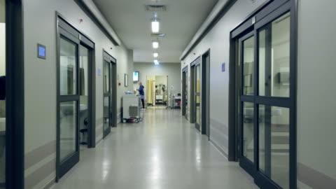 covid-19 隔離醫院走廊 - covid 19 個影片檔及 b 捲影像