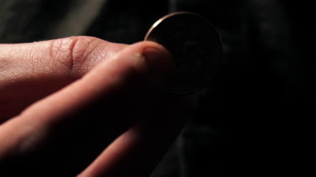 quarter - 25セント硬貨点の映像素材/bロール