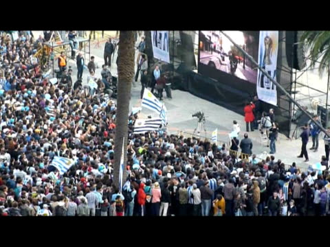 quarterfinal football match and celebrate in montevideo on july 2 2010 uruguay won the penalty shootout 42 after fulltime finished 11 to advance to... - uruguay stock-videos und b-roll-filmmaterial