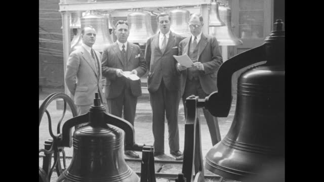 mws quartet of men in business suits sing bells in foreground and background / note exact day not known - künstlerische darbietungen stock-videos und b-roll-filmmaterial