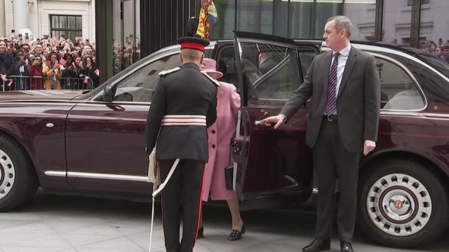 queen and duchess of cambridge arrive at bush house campus, king's college london, for a joint visit together - king's college cambridge stock videos & royalty-free footage
