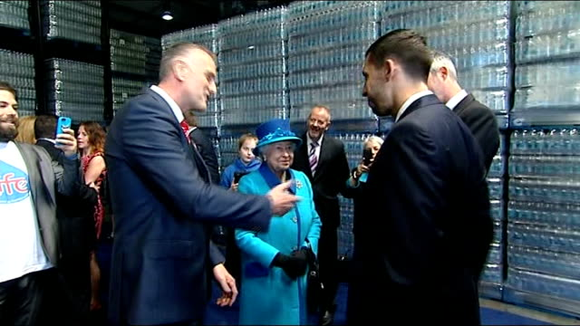 stockvideo's en b-roll-footage met queen and prince pembrokeshire visit wales pembrokeshire narbeth photography *** gvs queen elizabeth ii and prince philip duke of edinburgh meeting... - pembrokeshire