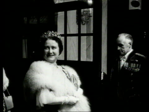 Queen and Prince Philip Collection 5 281055 Queen Mother Queen Elizabeth Prince Philip Princess Margaret arriving at Covent Garden gala with Prime...