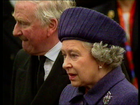 queen and prince philip collection 7 t17039601 17396 queen visits the town of dunblane after shootings at school dunblane queen elizabeth ii side... - ダンブレーン点の映像素材/bロール