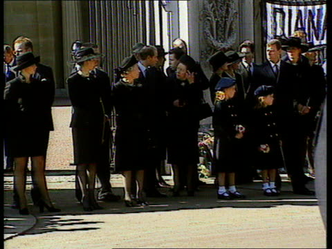 queen and prince philip collection 7 u06099702 6997 princess diana's funeral buckingham palace royal family in black mourning dress with the queen... - begräbnis stock-videos und b-roll-filmmaterial