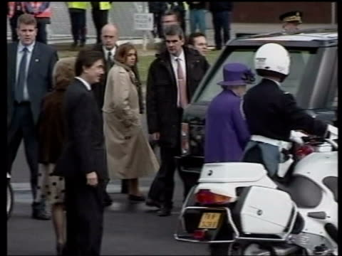 Queen and Prince Philip Collection 8 5166/04 Queen Elizabeth II continues French visit to honour the 100th Anniversary of the Entente Cordiale with...