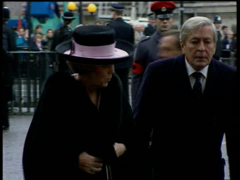 golden wedding anniversary lC5N ENGLAND London Whitehall People arriving for luncheon TLMS Prince Charles arriving with Princes William Harry the...